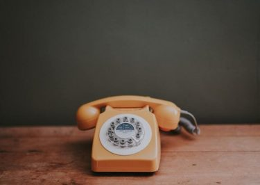 WOWOWに電話がつながらない時の対処法【ネットで加入・解約可】