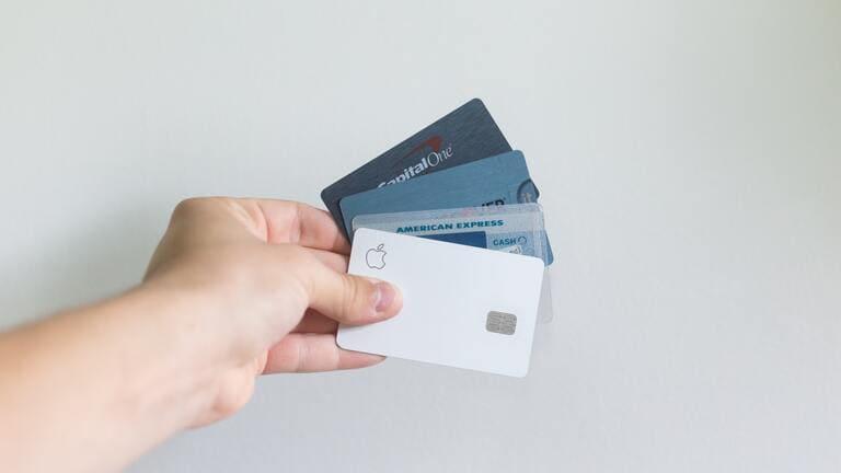 WOWOWの月額料金は2,530円(税込)【お得に利用する方法】